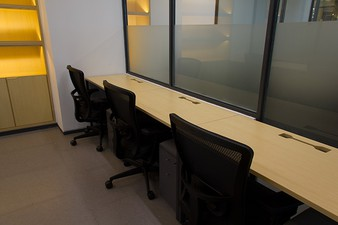 photo of Kantor di Chubb Square Podium 3 3