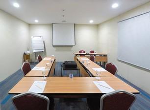 photo of Tulip Room, Lt 8, Favehotel Zainul Arifin 5 2