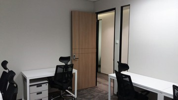 Executive Private Office Suite 8 Pax photos