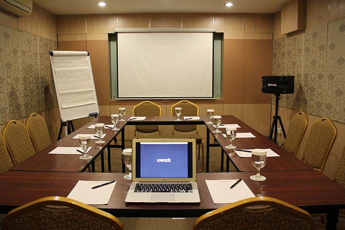 big-paket-meeting-di-favehotel-kelapa-gading,-flamboyan-room-0