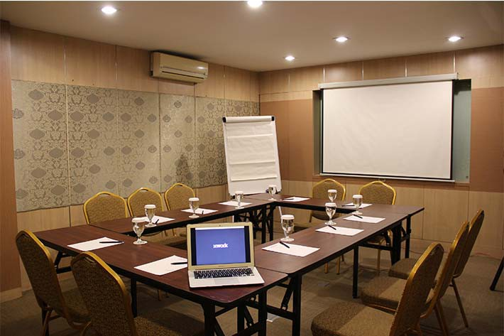 big-paket-meeting-di-favehotel-kelapa-gading,-flamboyan-room-2