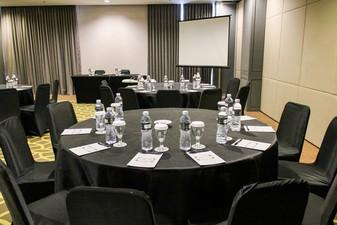 photo of Theater 6 di Rivoli Hotel Jakarta 5 4