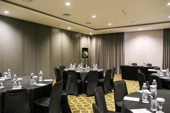 photo of Theater 6 di Rivoli Hotel Jakarta 5 5