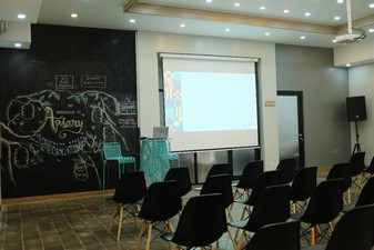 photo of Ruang 1 di Apiary Coworking Space (Solo) 0 1