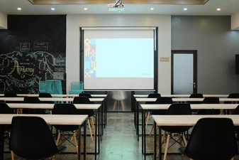 photo of Ruang 1 di Apiary Coworking Space (Solo) 0 2