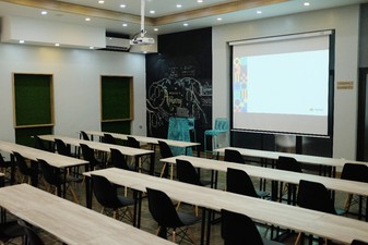 photo of Ruang 1 di Apiary Coworking Space (Solo) 0 3