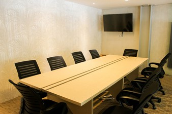 photo of Meeting Room 2 di Hiveworks Co-Work & Cafe 1 0