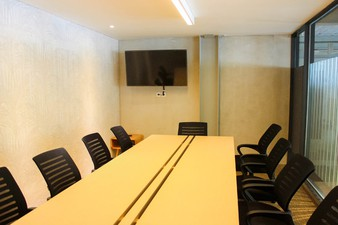 photo of Meeting Room 2 di Hiveworks Co-Work & Cafe 1 3