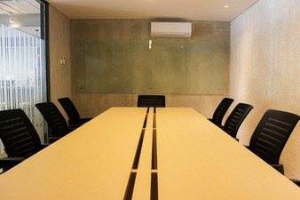 photo of Meeting Room 2 di Hiveworks Co-Work & Cafe 1 4