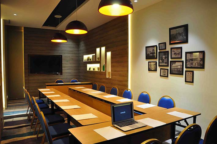 ruang-meeting-di-gambir-jakarta-pusat-hotel-mercure-jakarta-sabang-sabang-1-room-0