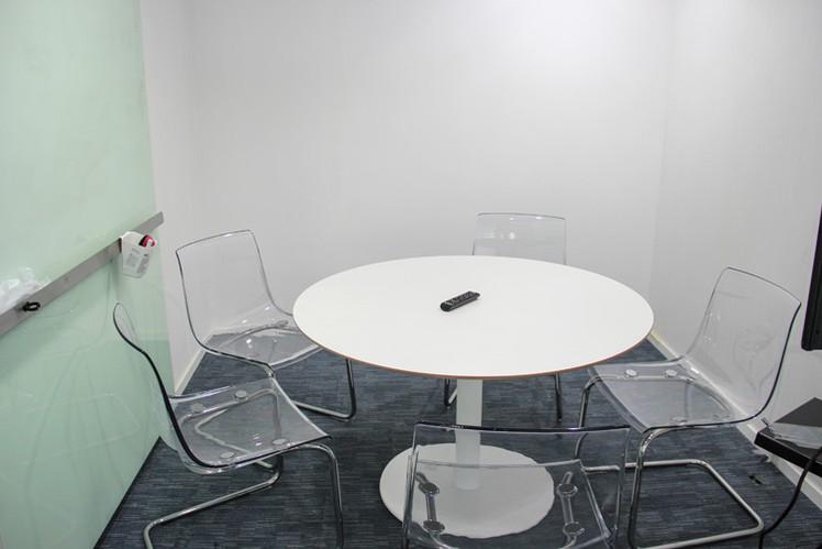ruang-meeting-di-tanah-abang-jakarta-pusat-ifc-tower-soho-0
