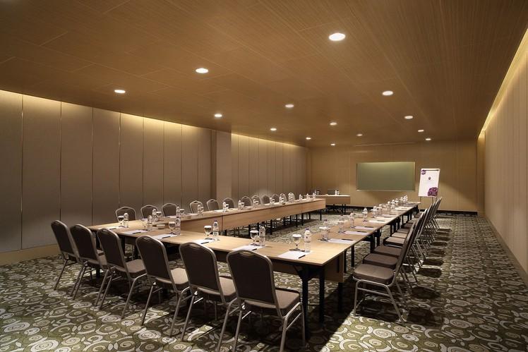 paket-meeting-di-hotel-grand-mercure-jakarta-harmoni,-coral-room-0
