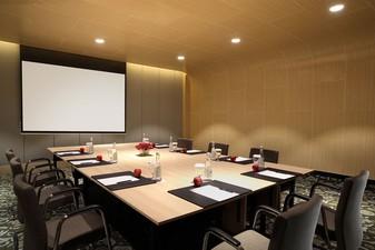 thumb-paket-meeting-di-hotel-grand-mercure-jakarta-harmoni,-emerald-room-0