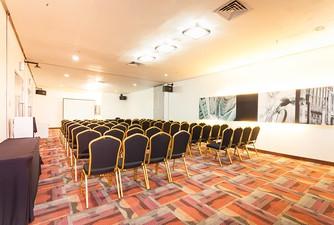 photo of London Room di Hotel NEO Mangga Dua Square 1 0