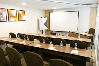 thumb-paket-meeting-di-vl-space,-okane-room-0