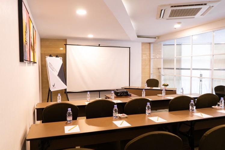 paket-meeting-di-vl-space,-okane-room-1