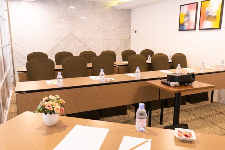 paket-meeting-di-vl-space,-okane-room-3
