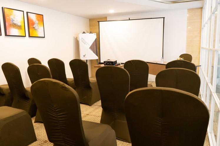 paket-meeting-di-vl-space,-okane-room-9