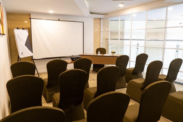 paket-meeting-di-vl-space,-okane-room-12