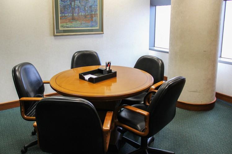 ruang-meeting-di-setiabudi-jakarta-selatan-sampoerna-strategic-square-18b-4