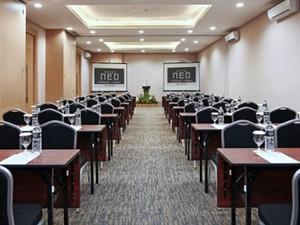thumb-paket-meeting-di-hotel-neo-cirebon,-keraton-meeting-room-0