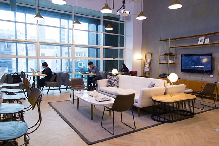 coworking-space-di-tanah-abang-jakarta-pusat-chubb-square-podium-coworking-flexible-desk--lt-9-2