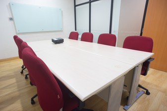 photo of Medium Meeting Room APL Tower di APL Tower 4 5