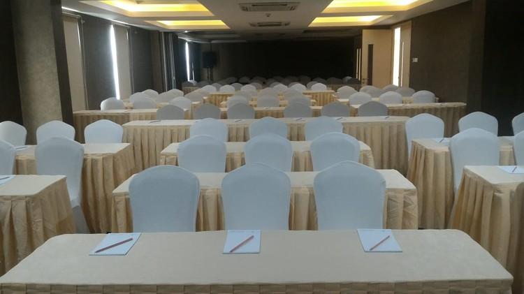 paket-meeting-di-ayaka-suites,-seruni-1-&-seruni-2-2