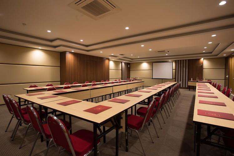 paket-meeting-di-saris-hotel-&-spa-kuta---bali,-saris-meeting-room-0