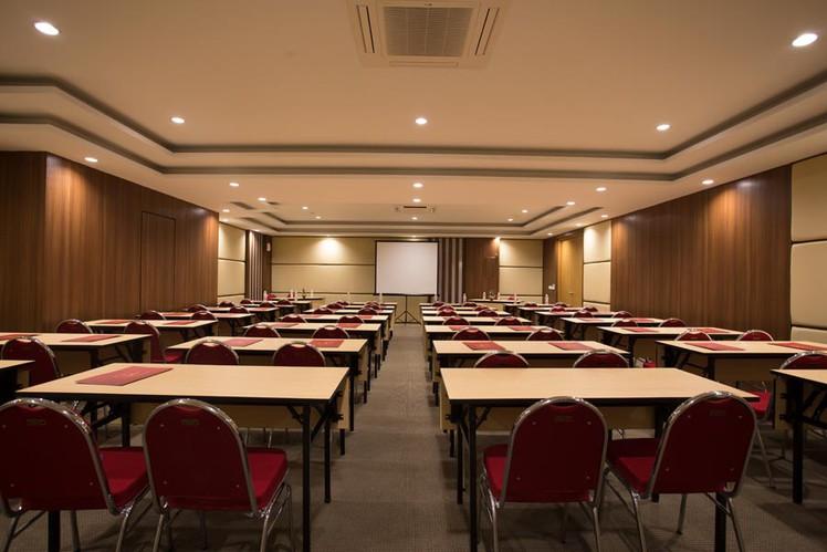 paket-meeting-di-saris-hotel-&-spa-kuta---bali,-saris-meeting-room-2