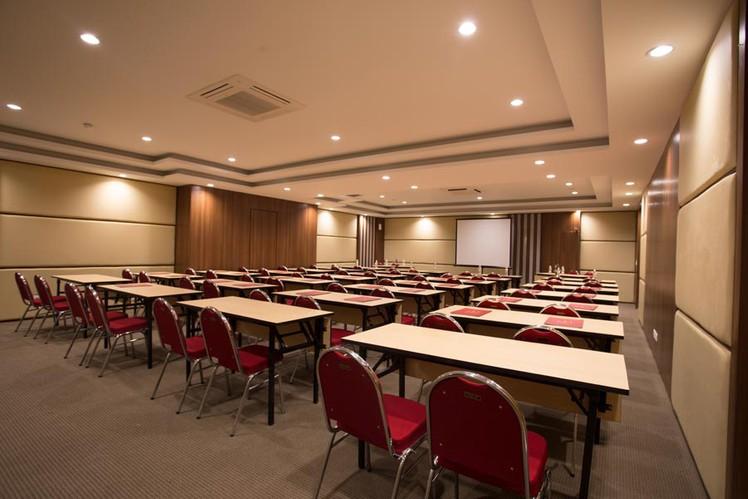 paket-meeting-di-saris-hotel-&-spa-kuta---bali,-saris-meeting-room-3