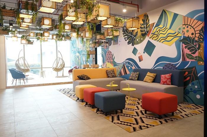 coworking-space-di-menteng-jakarta-pusat-the-plaza-just-desk-dedicated-3