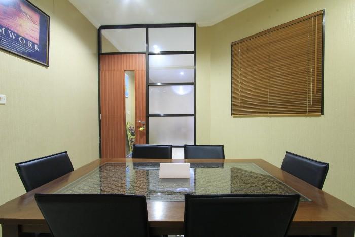 foto-ruangan-https://s3-ap-southeast-1.amazonaws.com/xwork-gallery/rooms/images/381/1510812633.61/381_1510812633.61.lg.JPEG