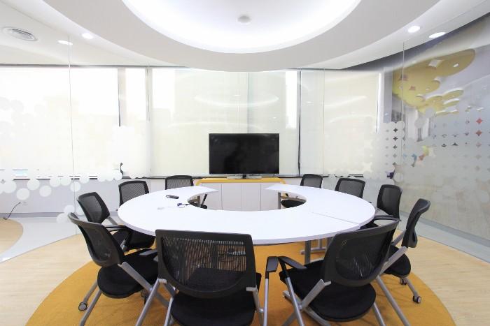 ruang-meeting-di-gambir-jakarta-pusat-pt-indosat-tbk-data-room,-lt-2-0