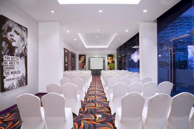 paket-meeting-di-fame-hotel-gading-serpong,-hall-of-fame-3-0