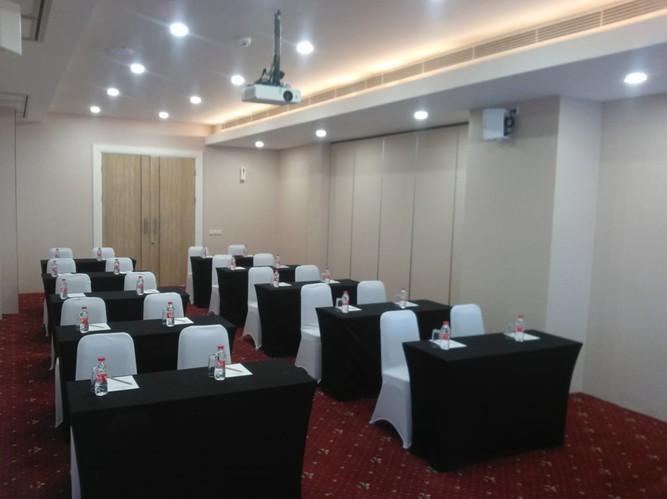 paket-meeting-di-huswah-hotel-airport,-arafa-2