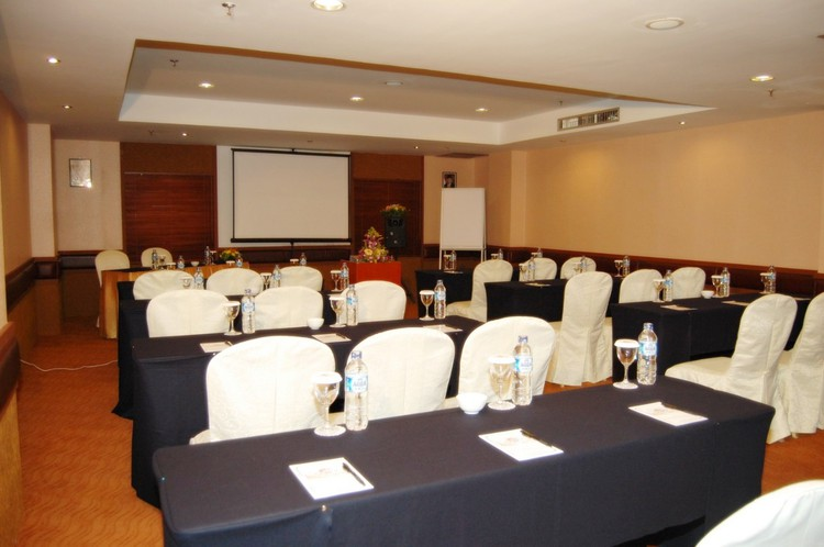 paket-meeting-di-batam-pacific-palace,-colombus-room-0
