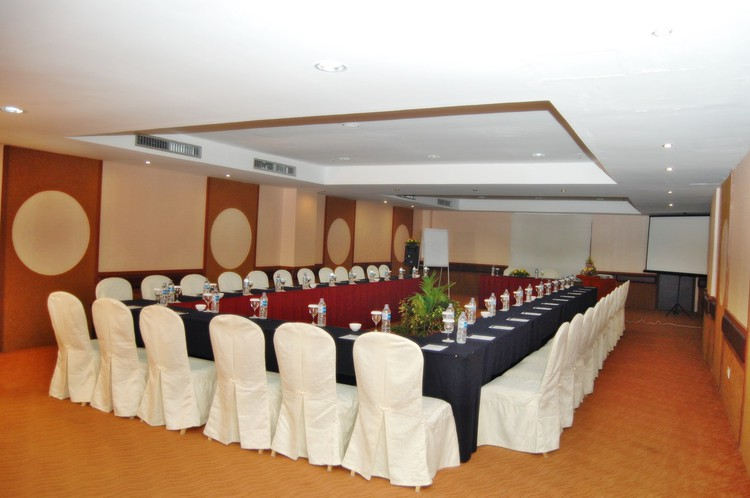 paket-meeting-di-batam-pacific-palace,-marcopolo-room-0