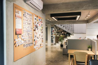 photo of Coworking space di Concrete Co-working Space 2 10