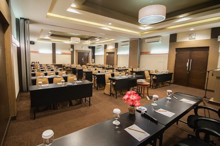paket-meeting-di-hotel-sofyan-tebet,-kecapi-a-0