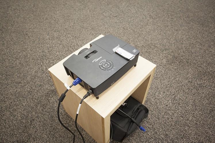 paket-meeting-di-lemo-hotel-serpong,-ruangan-ebony-3
