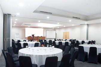 photo of Ruangan Mahogany & Acacia (Connecting), Lemo Hotel Serpong 5 1