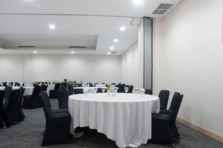 paket-meeting-di-lemo-hotel-serpong,-ruangan-mahogany-&-acacia-(connecting)-4