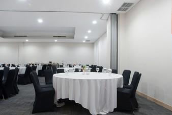 photo of Ruangan Mahogany & Acacia (Connecting), Lemo Hotel Serpong 5 4