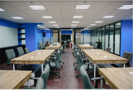 coworking-space-di-menteng-jakarta-pusat-d.lab-coworking-desk-at-dimo-0