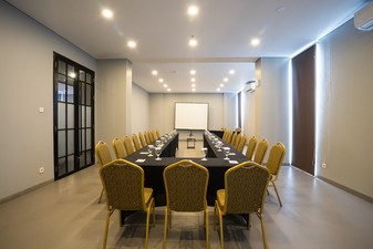 photo of Silver Meeting Room di Maple Hotel Jakarta 5 2