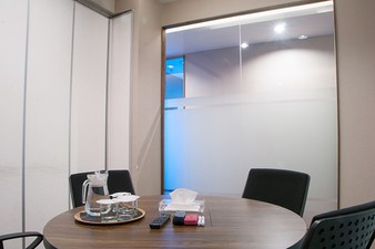 photo of Conference Room di Office 8 2 5