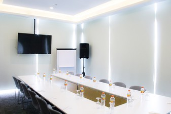 thumb-paket-meeting-di-cleo-business-hotel-jemursari,-ford-0