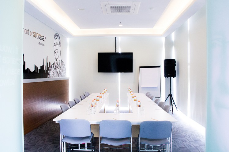 paket-meeting-di-cleo-business-hotel-jemursari,-ford-2