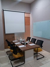 photo of Meeting Room 1 di LeGreen Suite Penjernihan 5 1